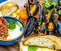 Moules au barbecue touche italienne